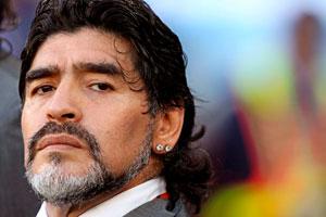 Maradona presenta denuncia penal contra Grondona y exdirectivos del River