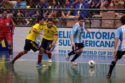 Colombia perdió ante Argentina y se despidió del título en el sudamericano