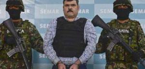 Marina Armada de México presenta al capturado líder del Cartel del Golfo