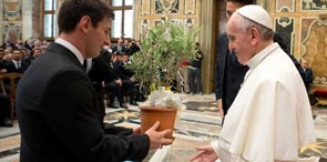 Papa Francisco recibe a Lionel Messi