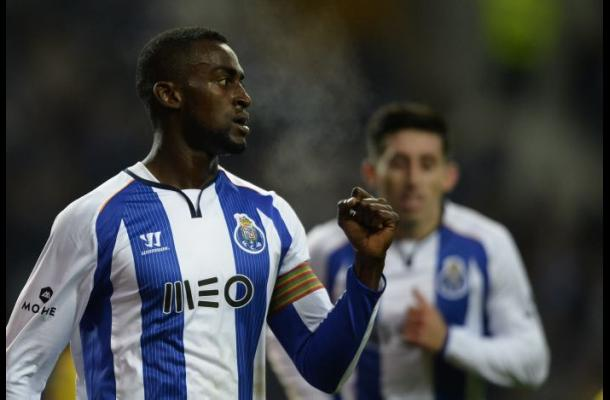 Jackson Martínez salió lesionado en partido entre Oporto y Sporting Braga