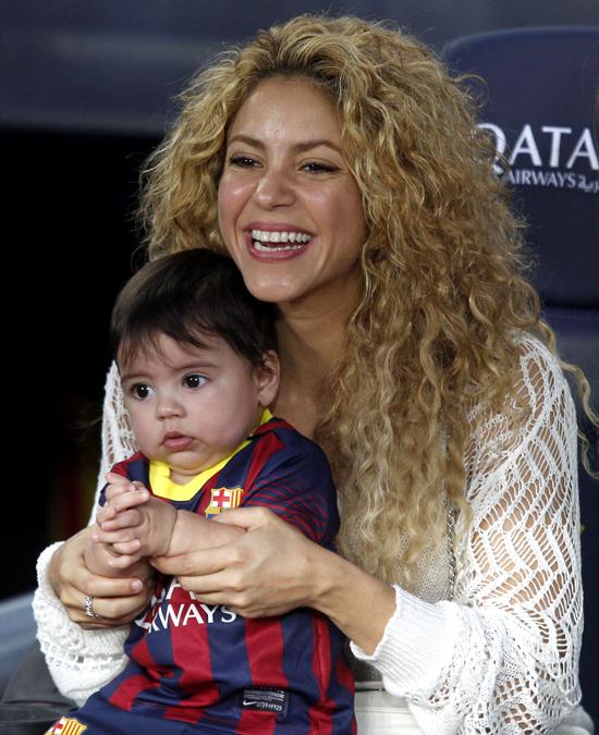 Shakira publica video de Milan leyendo con tan solo dos años
