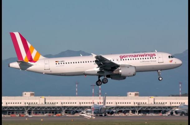 Caja negra hallada en el lugar del accidente del Airbus A320 está dañada