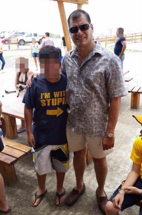 La foto por la que se burlaron de Rafael Correa en las redes