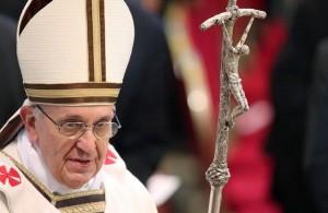 el-papa-francisco-y-la-cruz