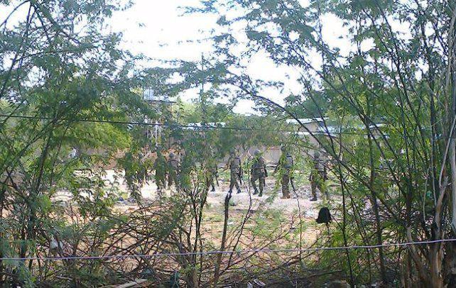 Al menos 70 estudiantes muertos en el asalto a una universidad de Kenia