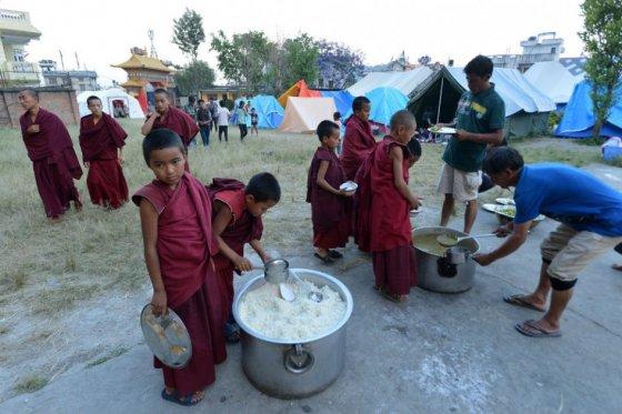 Al menos 70.000 niños necesitan apoyo nutricional urgente en Nepal