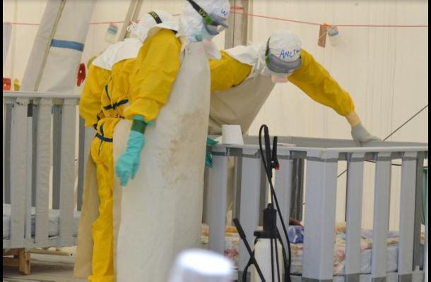 Enfermero da positivo por ébola en Italia