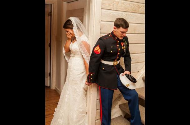La emotiva foto de una pareja antes de su boda conmueve a las redes sociales