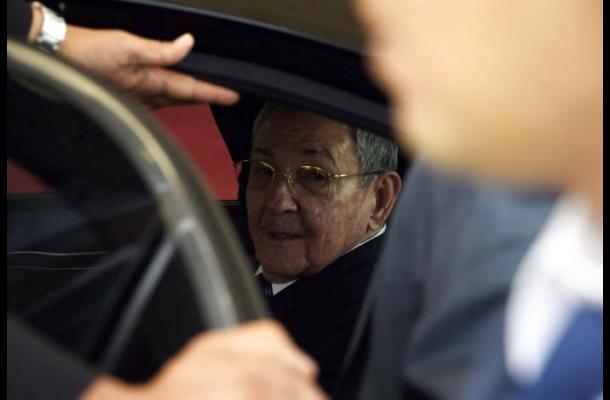 Raúl Castro se reunirá con el Papa el domingo en el Vaticano