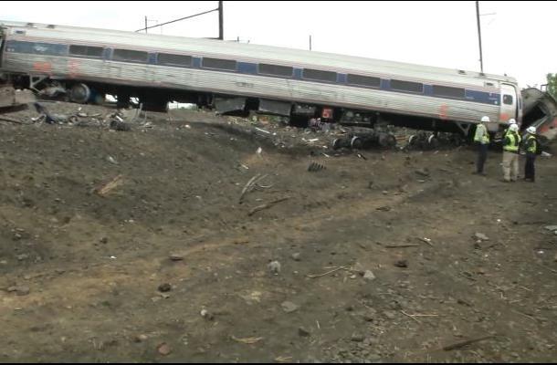 Conductor del tren que se descarriló en Filadelfia no recuerda nada: Abogado