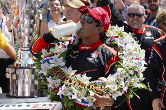Juan Pablo Montoya ganó las 500 millas de Indianápolis