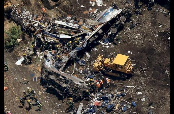 Tren descarrilado en Filadelfia viajaba a cerca de 170 kilómetros por hora