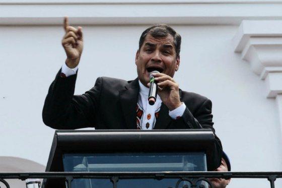 Correa amenaza con expulsar a «venezolanos reaccionarios infiltrados» en Ecuador