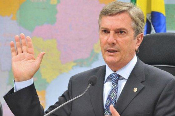 Fiscalía de Brasil acusa a senador y expresidente del país en escándalo Petrobras