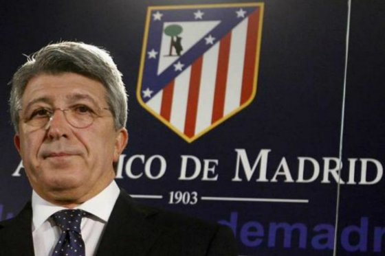 Presidentes del Atlético y del Sevilla darán conferencias en Colombia