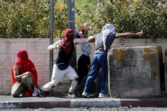 Dirigentes palestinos e israelíes, desbordados por ola de violencia espontánea