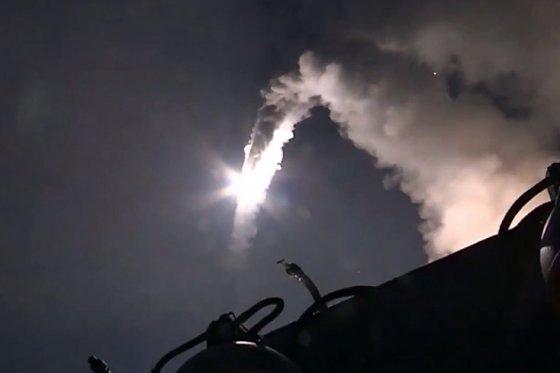 EE.UU. y Rusia reanudan sus contactos sobre seguridad en espacio aéreo sirio