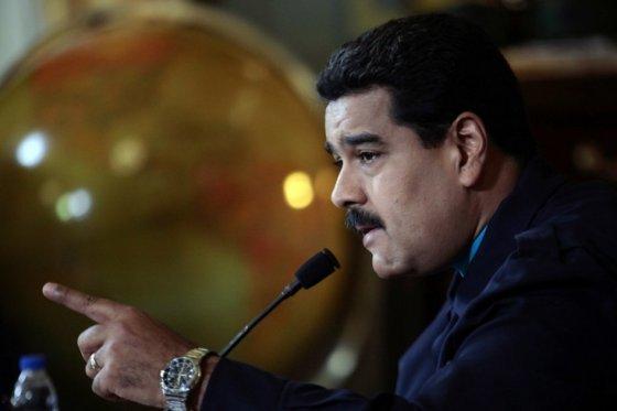 Maduro ordena revisión 'integral' de las relaciones con EE.UU.