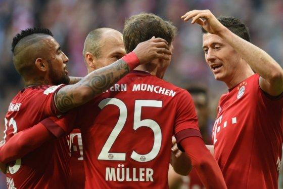 Bayern Múnich aplastó al Stuttgart y se afianza en el liderato