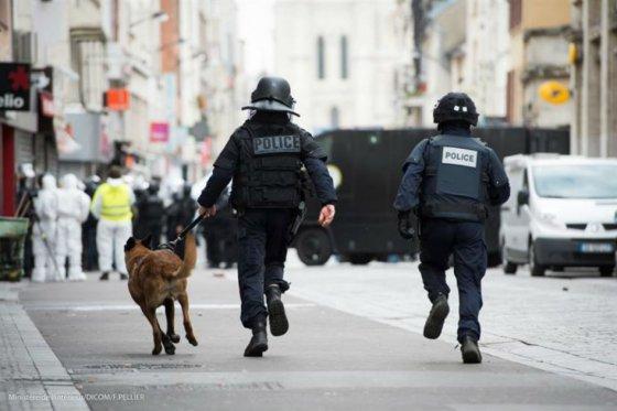 Aprueban en Francia prolongar el estado de emergencia por tres meses