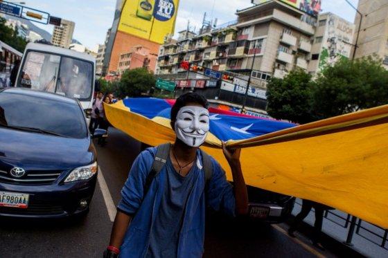 Muerte de opositor venezolano tiñe de violencia la campaña electoral