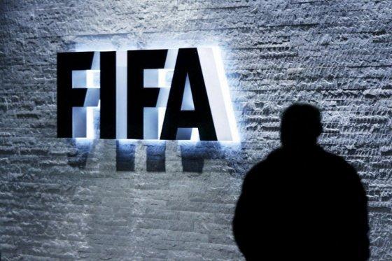 Lujosos relojes ofrecidos a dirigentes de la Fifa serán donados a una ONG
