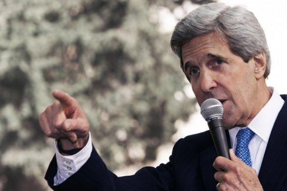 Trump «pone en peligro seguridad nacional» de EE.UU., advierte John Kerry