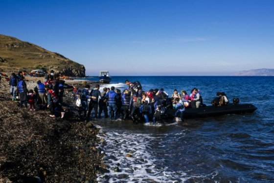 Mueren 18 migrantes al tratar de llegar a costa griega