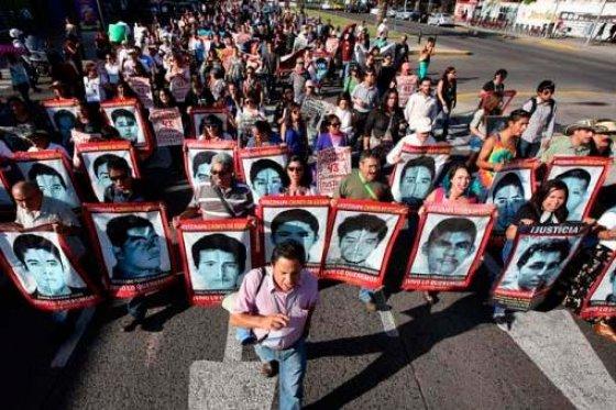 Gobierno mexicano dice que ha buscado a los 43 estudiantes en 669 lugares