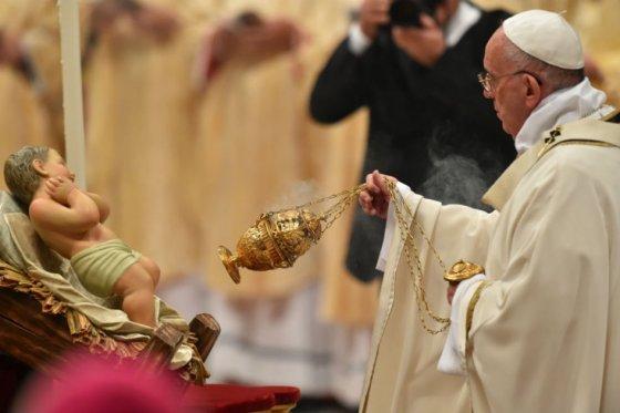 Papa Francisco pide en esta Navidad sobriedad a las personas «ebrias de consumo y placeres»