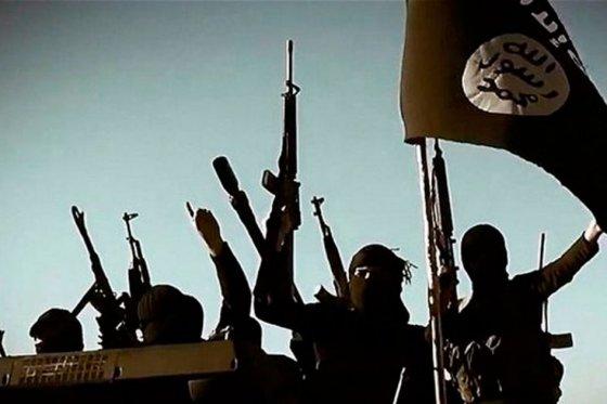 Estado Islámico ejecuta a dos personas acusadas de brujería