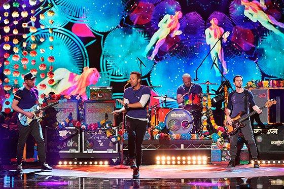 Coldplay aparta la melancolía con «A Head Full Of Dreams»