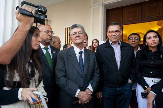 Mayoría de Asamblea Nacional se niega a debatir decreto de emergencia económica en Venezuela