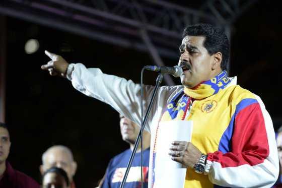 Oposición venezolana se propone reducir el tiempo de mandato de Maduro