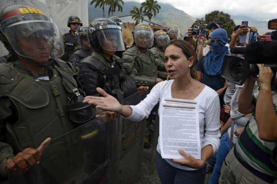 Piden destituir a coronel acusado de violentar a familiar de Leopoldo López