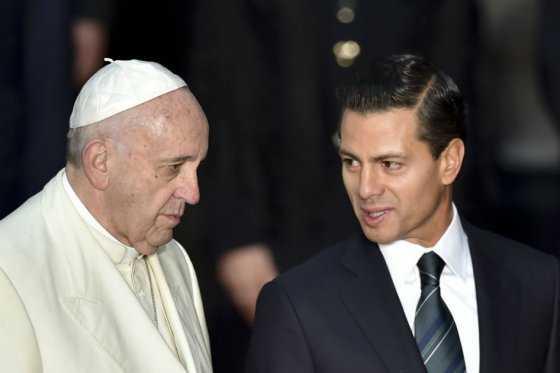 Papa denuncia en México que privilegios llevan a corrupción y narcotráfico