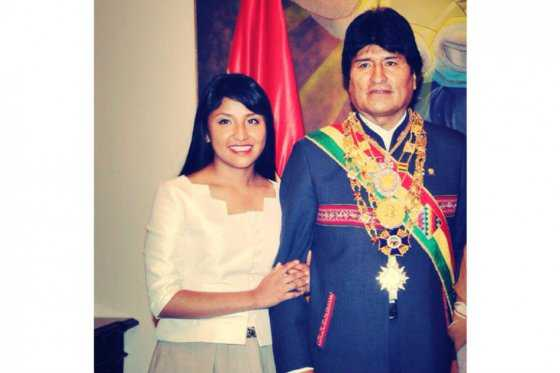 Hija de Evo Morales empieza a sonar como sucesora de su padre