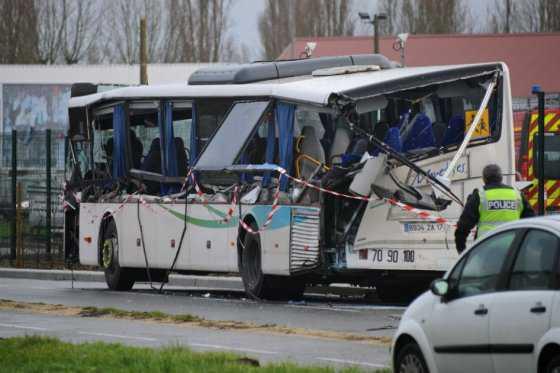 Seis menores murieron en accidente de ruta escolar en Francia