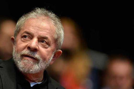 Detienen al expresidente Lula por fraude en caso Petrobras