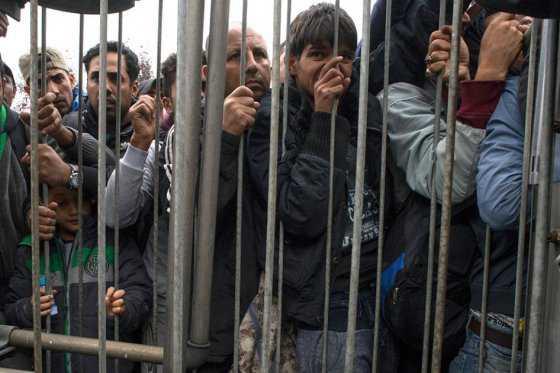 UE ofrece 700 millones de euros de ayuda humanitaria para crisis de migrantes