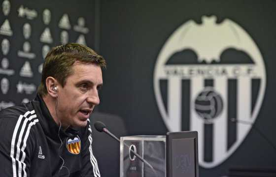 El Valencia despidió al entrenador Gary Neville