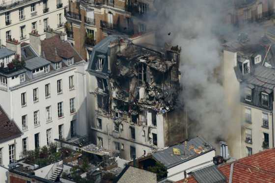 Explosión de cilindro de gas en edificio de París deja ocho heridos