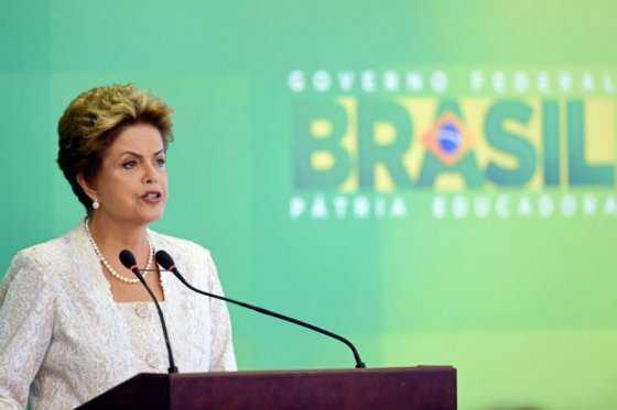 El juicio legislativo a Rousseff avanza por el laberinto político