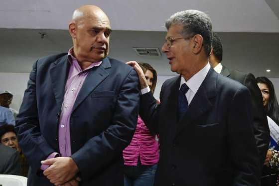 Oposición venezolana celebra decisión de la OEA de invocar Carta Democrática