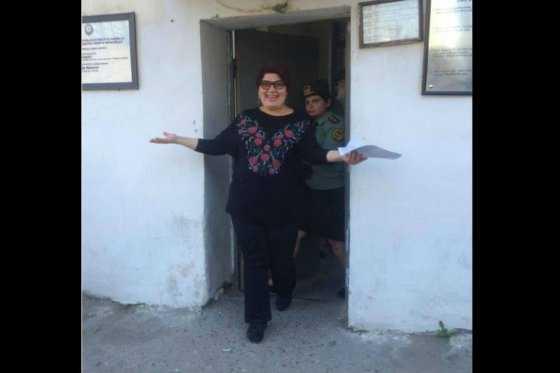 Periodista que denunció corrupción en Azerbayan es dejada en libertad
