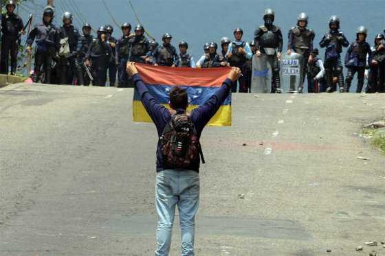Oposición venezolana se moviliza por revocatorio bajo estado de excepción