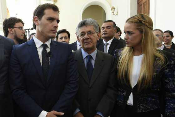 El político español Albert Rivera llegó a Venezuela y apoyó revocatorio contra Maduro