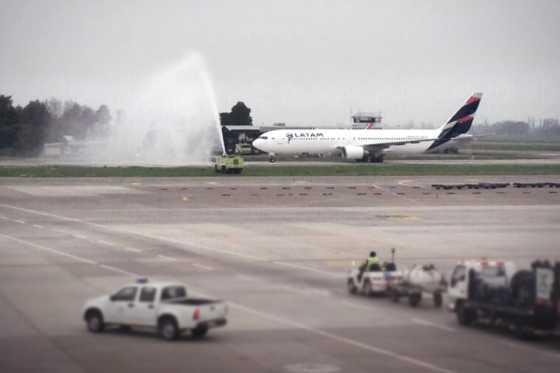 Aerolínea LATAM suspende indefinidamente sus vuelos a Venezuela