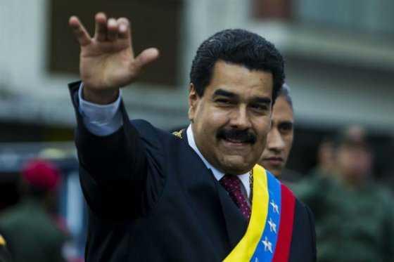 Gobierno lanza nueva ofensiva para atajar referendo contra Maduro